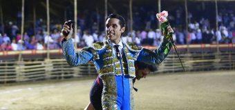Andy Cartagena y Fabián Barba hacen el esfuerzo y pasean una oreja en la Petatera