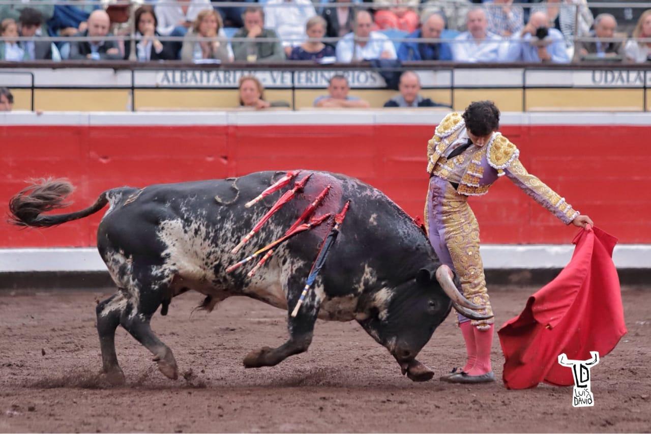 Luis David Adame triunfó en Bilbao