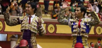 En la Feria de Teziutlán, Salen en hombros Flores y Martínez