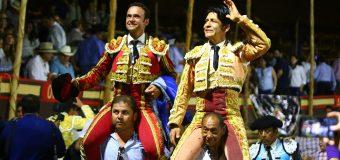 Rotundo triunfo del Zapata y Ferrera borda el toreo indultando a un gran toro de Begoña en La Petatera