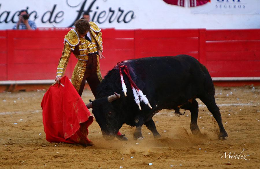 El Payo malogra con la espada un faenón en Guadalajara