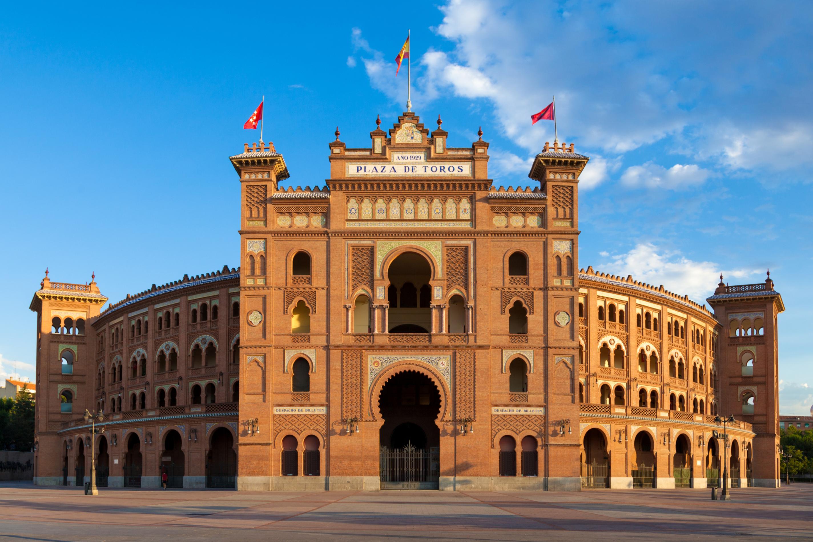 TLAXCALA PROMUEVE CULTURA; MADRID PREMIA Y CASTIGA
